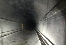 tunnel dark tube protection commanderventura CC0 Public Domain Źródło: https://pixabay.com/pl/tunel-ciemny-rura-ochrona-910447/
